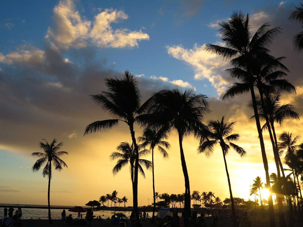 Sunset am Strand von Honolulu
