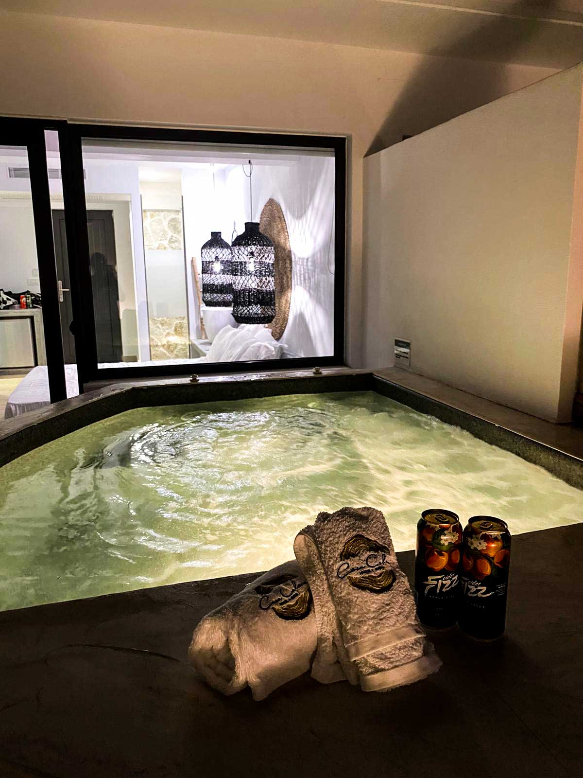 privat Jacuzzi am Zimmer