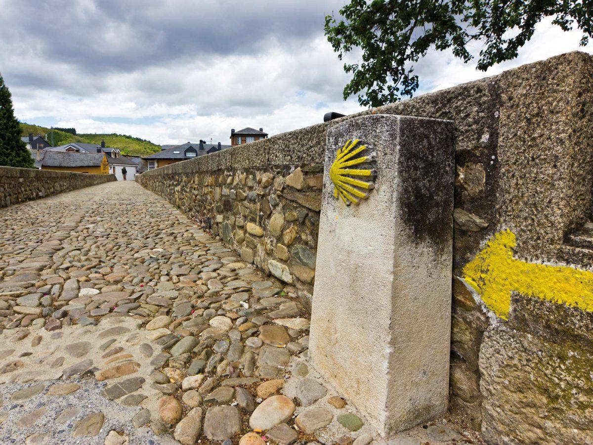 Jakobsweg - IKARUS TOURS/Shutterstock