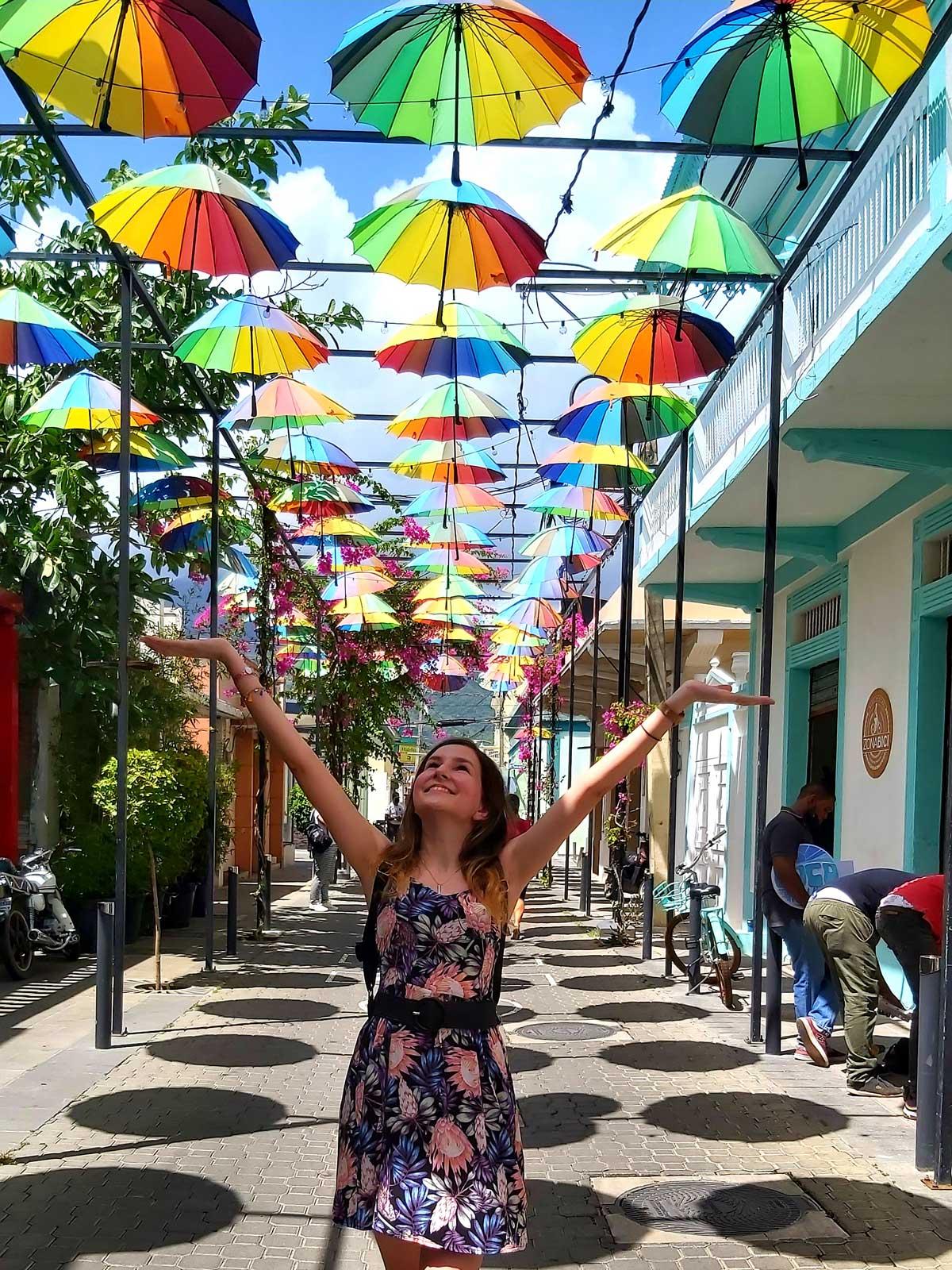Vanessa auf der Umbrella Street